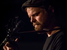 Singer-songwriter Chris Tye